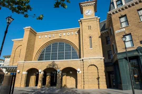 King's Cross at the Wizarding World of Harry Potter - Diagon Alley